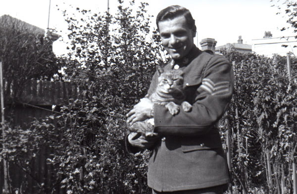 Sergeant Fernie and Private Puss. Wellington, 1941