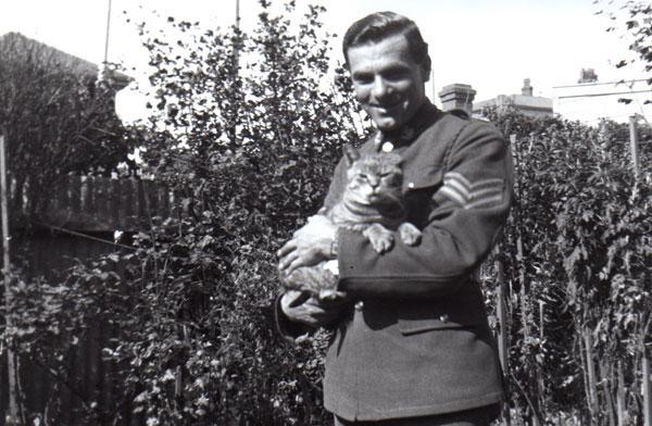 Sergeant Fernie and Private Puss. Wellington, 1941